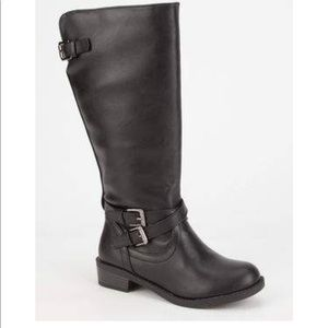 Shoes - Long black buckle boots